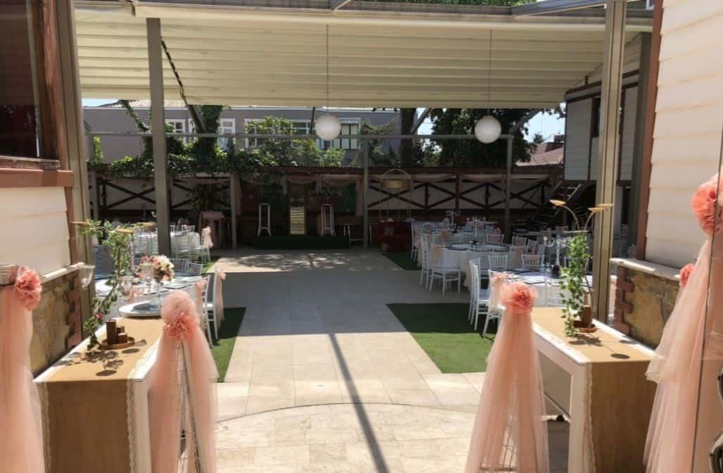 Amindos Restaurant