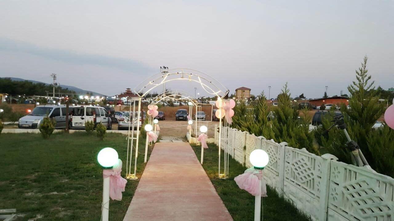 Yeşil Beyaz Kır Düğün Salonu Buca İzmir
