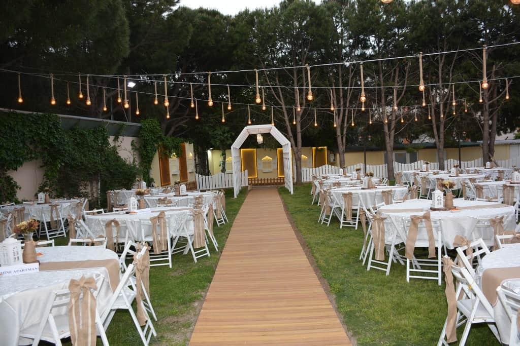 Bizim Bahçe Kır Düğünü Gaziemir Düğün Firyatları