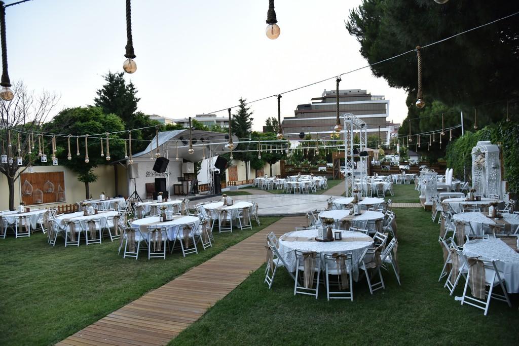 Bizim Bahçe Kır Düğünü Gaziemir Kır Düğün Fiyatları