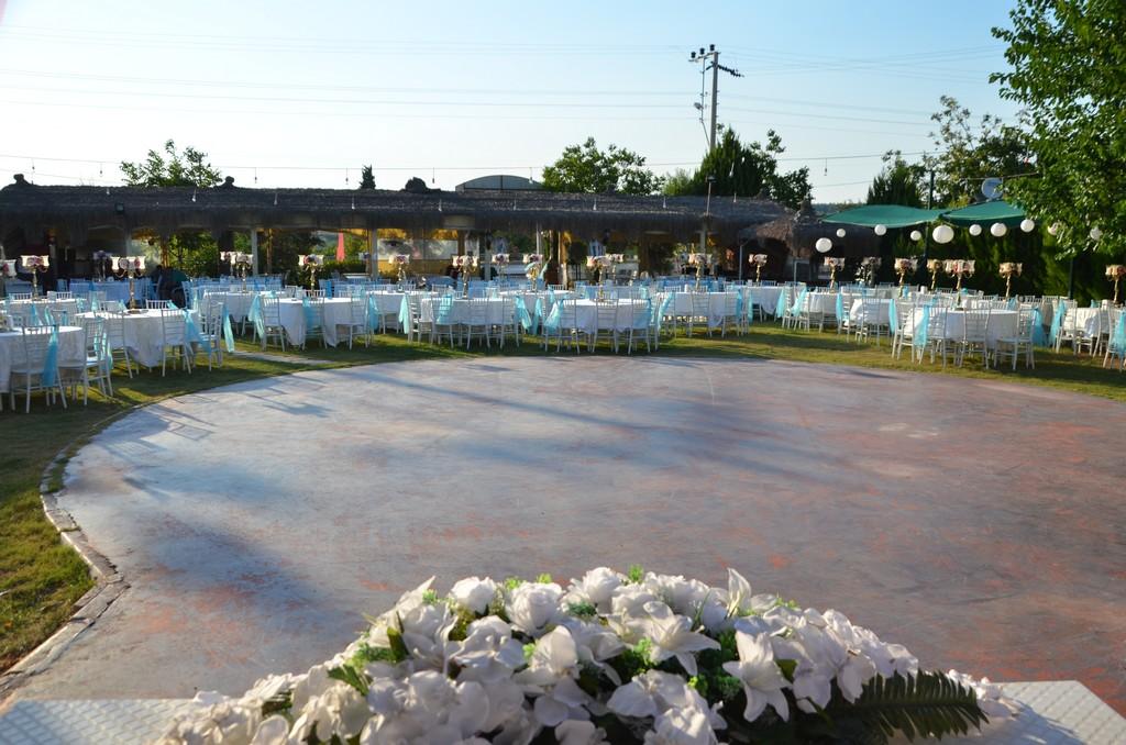 Hanzade Kır Bahçesi Menderes Kır Düğün Mekanları