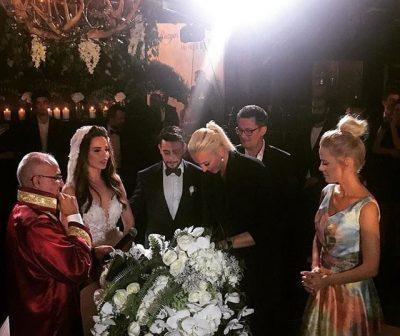 Rüzgar Erkoçlar Tuğba Beyazoğlu ile Qubbe Bahçe'de evlendi!