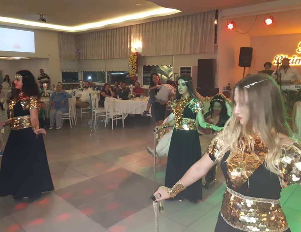 Mor Fiyonk Kına Organizasyon Gaziemir Organizasyon Fiyatları