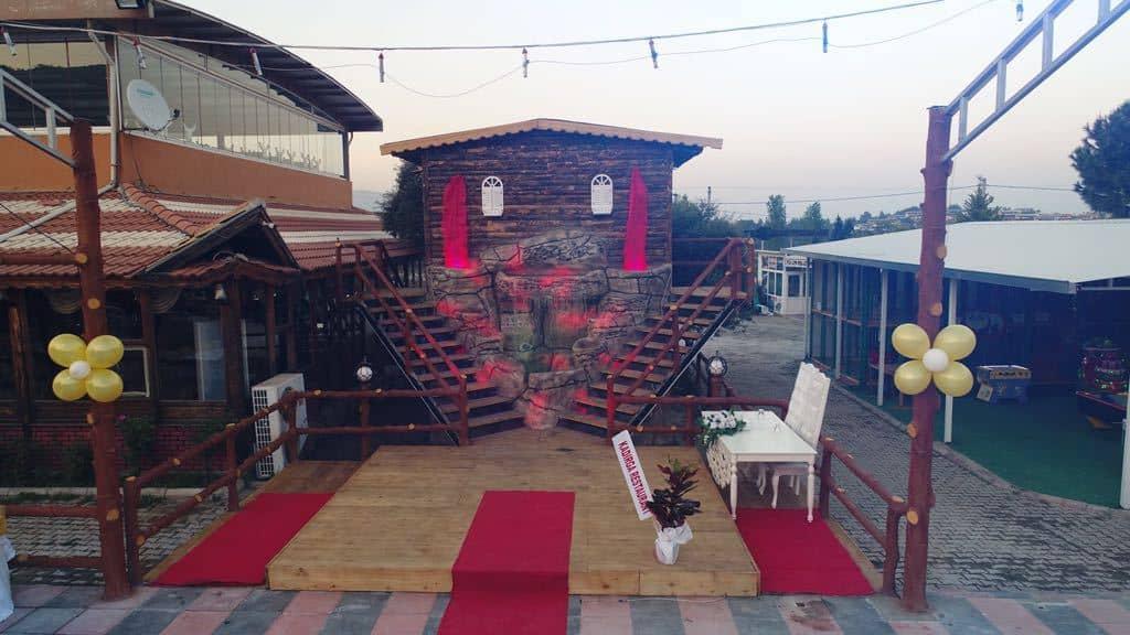 Kadırga Restaurant ve Kır Düğünü Kemalpaşa düğün fiyatları