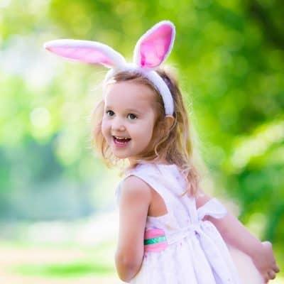 16721fed6770d Mesela açık pembe renkli gelinlik modelleri ile tavşan kulağı şeklindeki taçları  özellikle küçük çocuklar fazlasıyla sevebiliyor. Yine benzer bir model ...