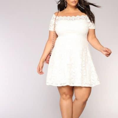 483fa3b04915f İstediğimiz elbiseleri giymek hepimiz hakkı. Yeter ki bizi kalıplara  sokmasınlar. Büyük beden kadınlar için 50 li yılların modelleri çok uygun.