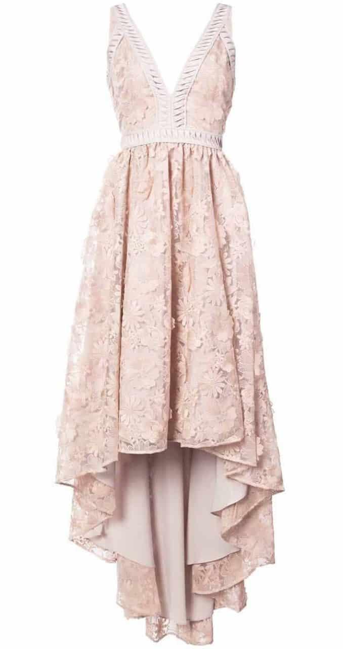 191482e21871b Önü kısa arkası uzun abiye ve nişanlık modellerinden bu Zac Posen tasarımı  pudra elbise, hem bronz hem beyaz tene mükemmel duracaktır.