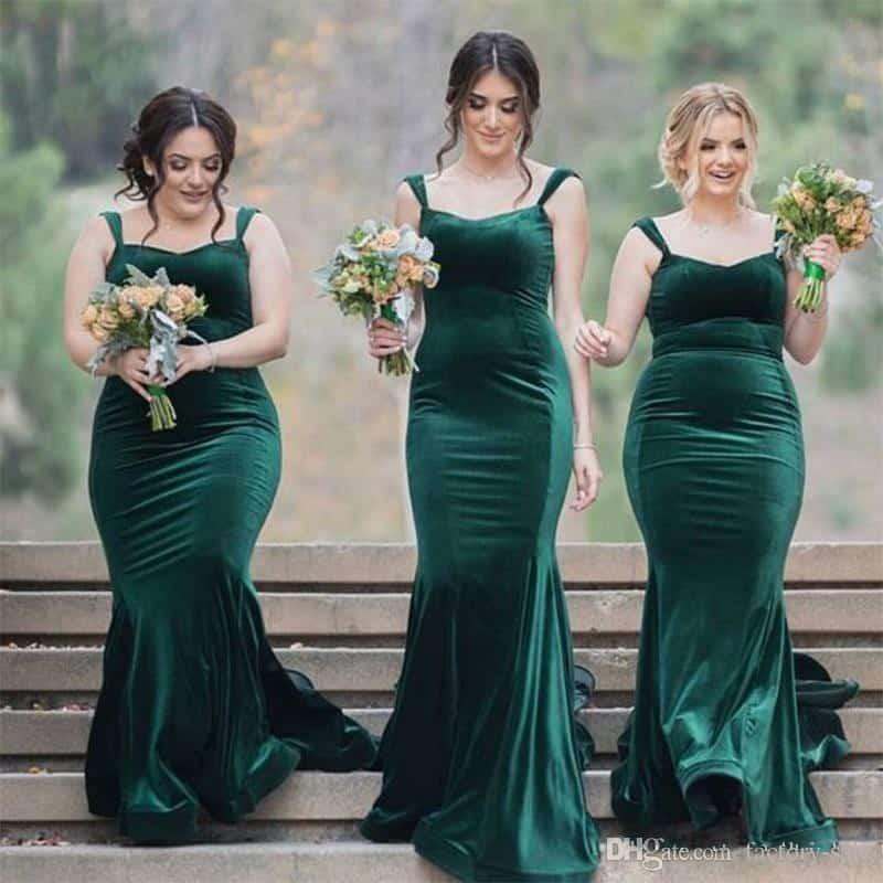 986288849ad9e Büyük beden abiye kullanacaksanız sizin için de birçok seçenek var! Büyük  beden kısa ve sade abiye tercihlerinizde de yeşil rengi kullanabilirsiniz.