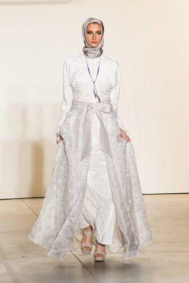 44ddefe6f97b9 Abiye Etek Modelleri. Anniesa Hasibuan Sonbahar Kış 2018 Koleksiyonu şık  tasarımları ile dikkat çekiyor.