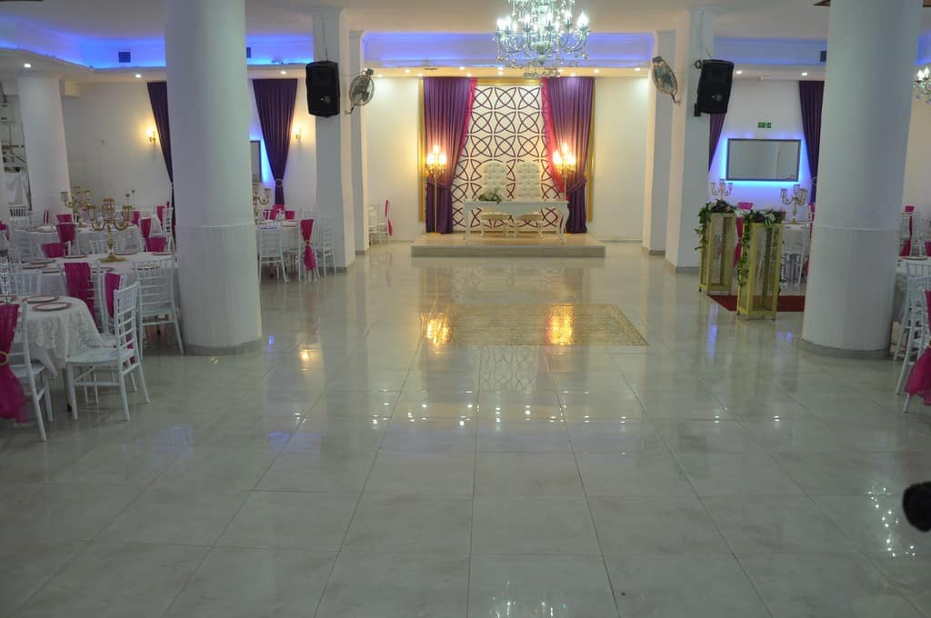 Saray Davet Balo ve Düğün Toplantı Salonu
