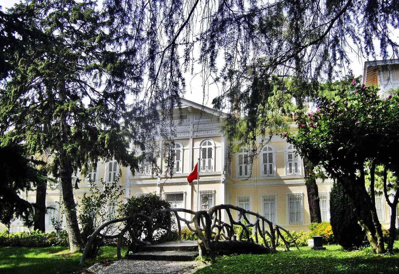 Yıldız-Sarayı-Şale (3)