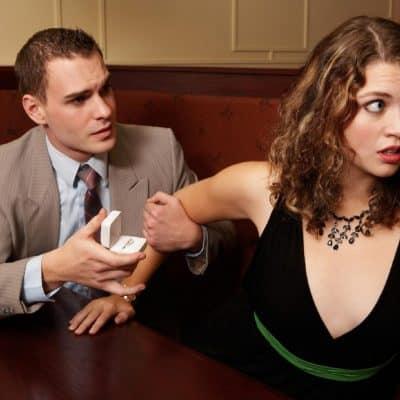 yapilmamasi-gereken-evlilik-teklifi-hatalari (1)